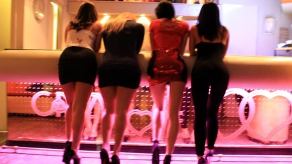 night club ragazze doc-2