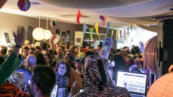 """""""Animal Carnival Party"""" al """"Color Cafè"""" di Bassano del Grappa"""