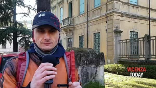 VIDEO | «Un incubo passare quelle strisce»