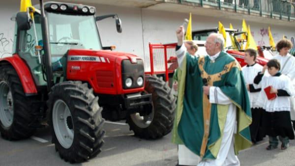 benedizione dei mezzi agricoli 2-2