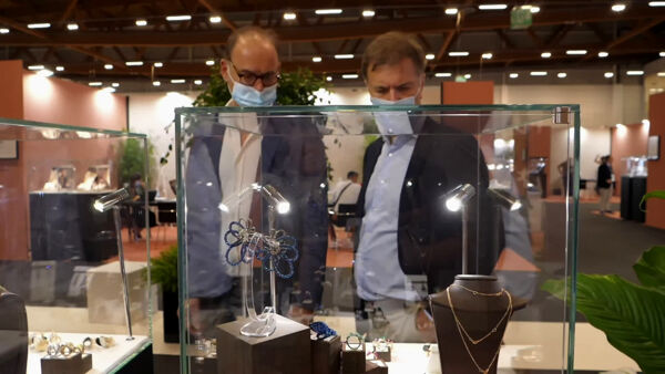 In fiera i gioielli più belli al mondo: guarda il video