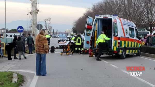 VIDEO | Schianto tra due auto in strada Pasubio: ferito un anziano