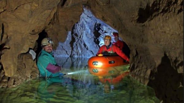 """""""Avventura al Buso della Rana"""": escursione speleologica a Monte di Malo"""