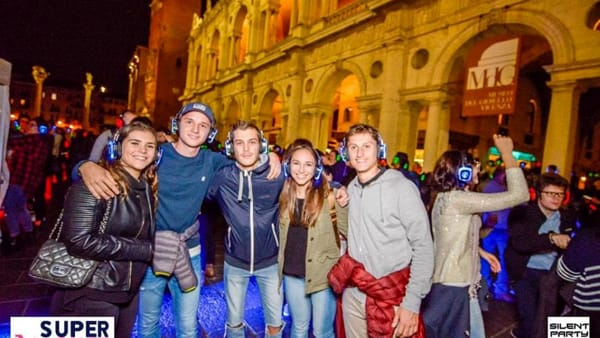 Silent Halloween Party in Piazza delle Erbe