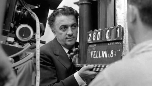 """Fellini 100"": film, documentari, mostra al Cinema Odeon"