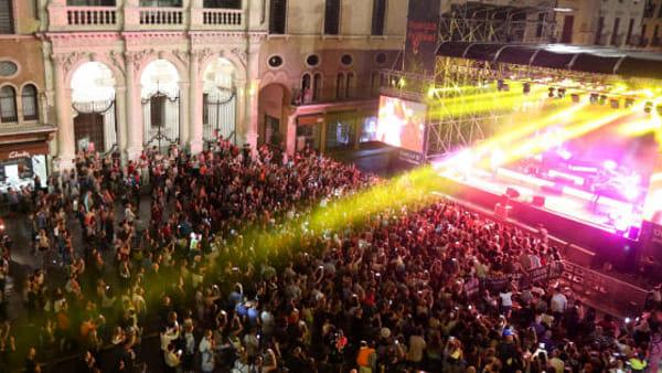Vicenza in Festival 2019 In Piazza dei Signori:  Fiorella Mannoia e Max Gazzè.