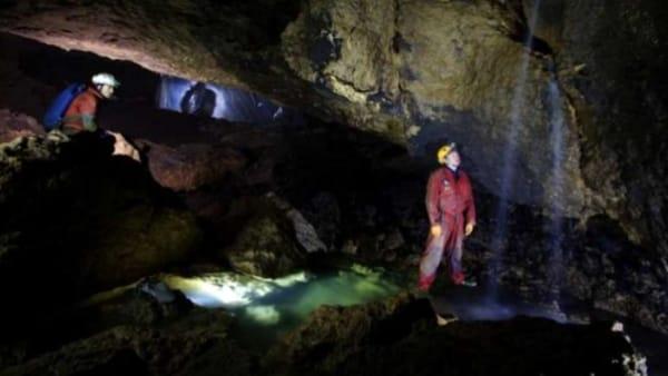 Escursione speleologica al Buso della Rana: la grotta più grande del Veneto