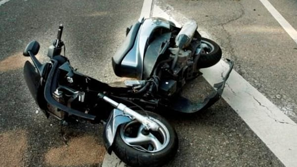 Altavilla, incidente con lo scooter, 31enne in rianimazione