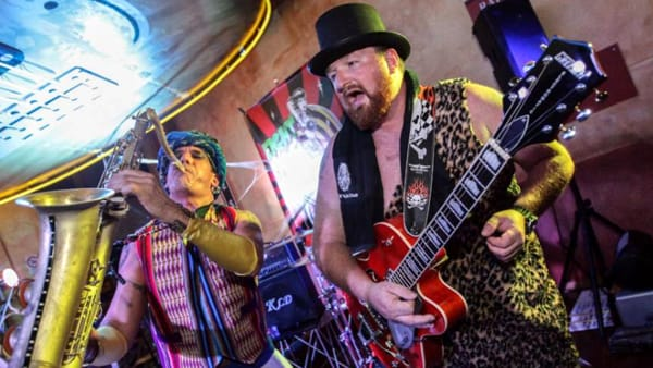 """Halloween Rockabilly"": live Eightball Showband al ""The Big"""