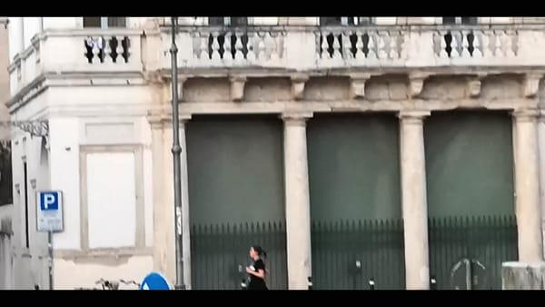 Vicenza al tempo del Coronavirus: flash mob musicale sul tetto a Ponte degli Angeli