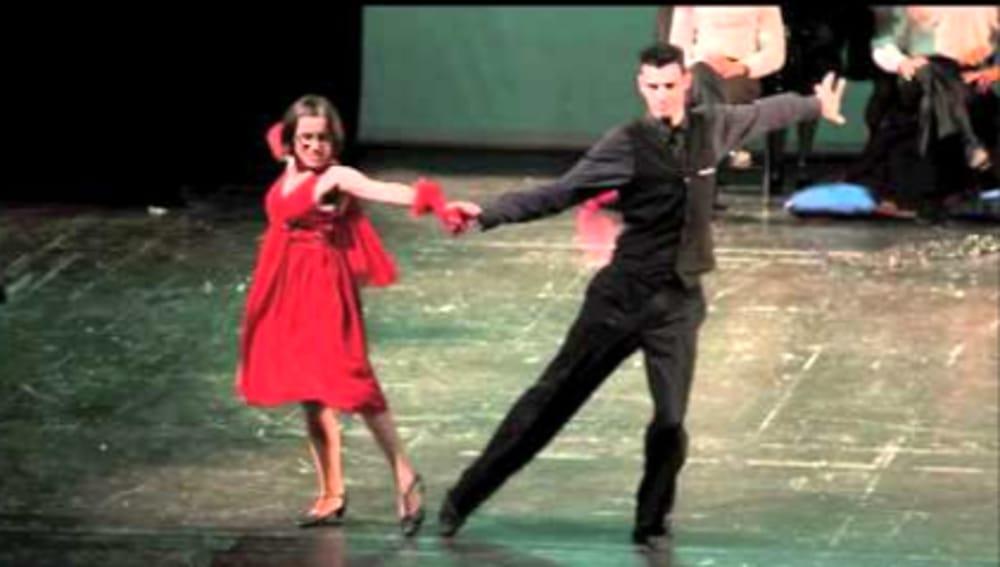Esibizione di ballo (immagini di archivio)