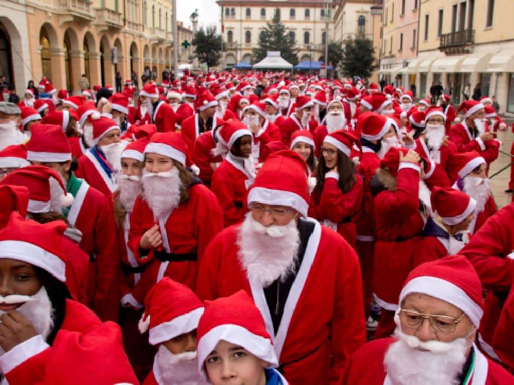 Babbi Natale.Stranatale La Corsa Dei Babbi Natale Ad Arzignano Eventi A Vicenza