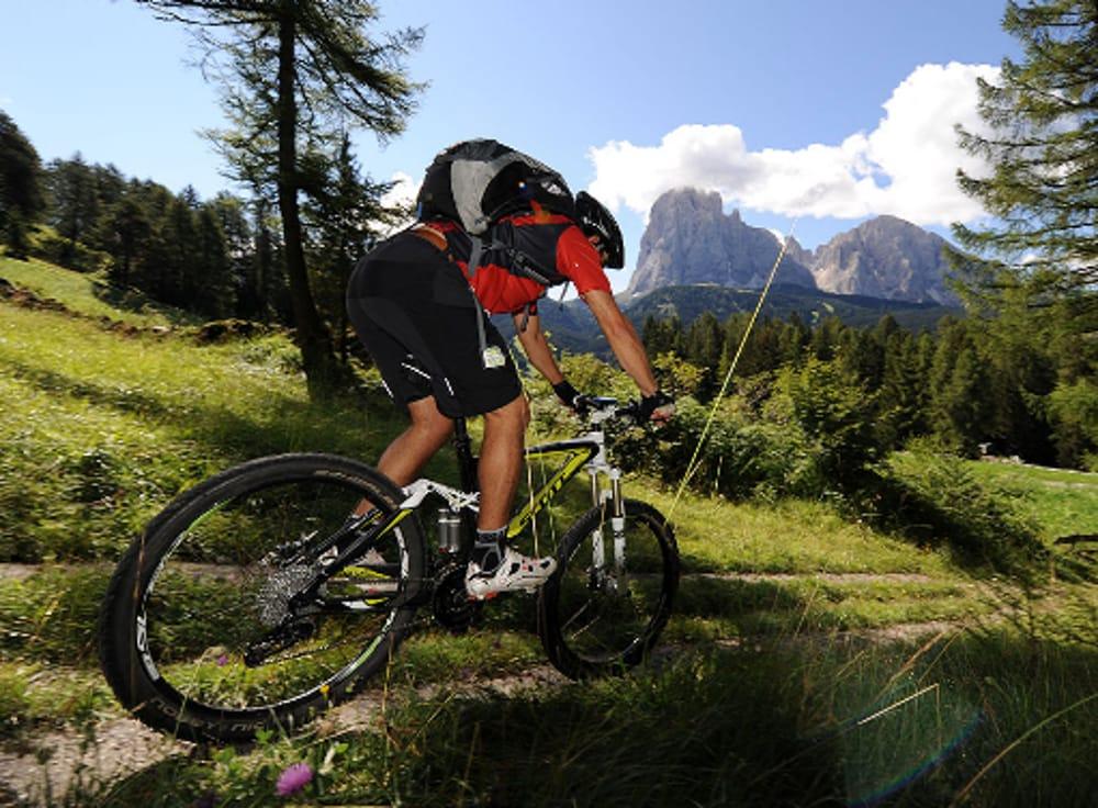 Mountain bike (immagini di archivio)