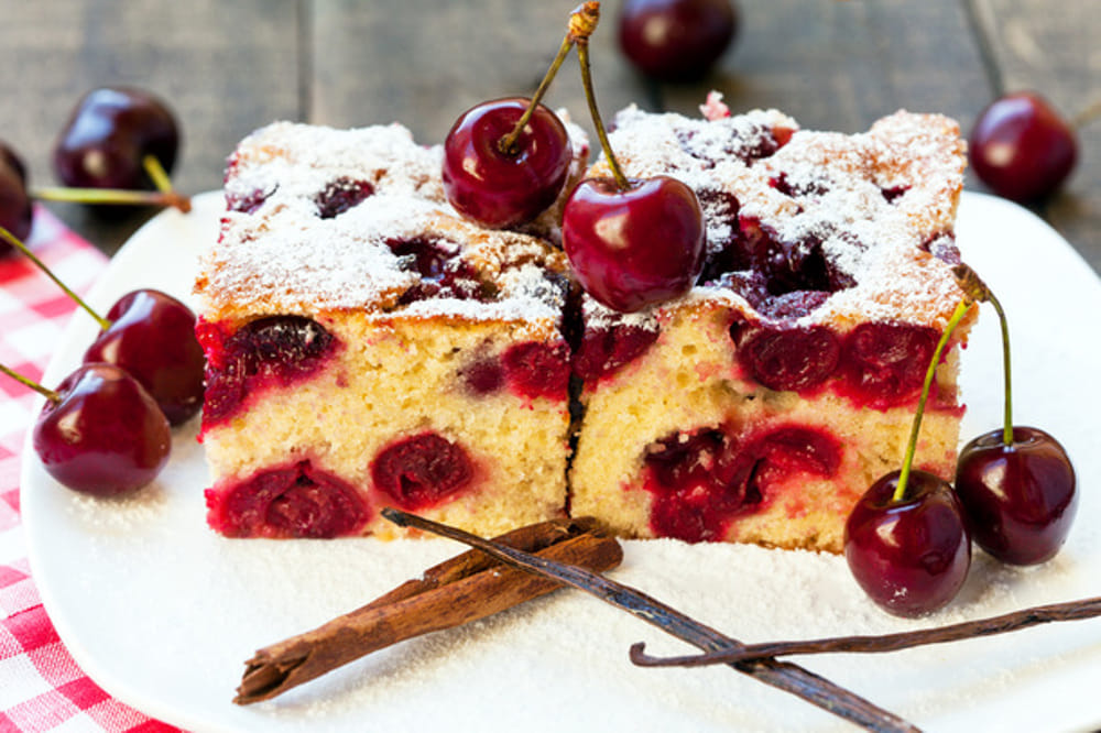 Torta ciliegie (immagini di archivio)