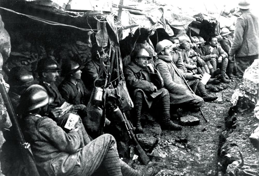 """""""L'Umanità dei Soldati"""" (immagini di archivio)"""