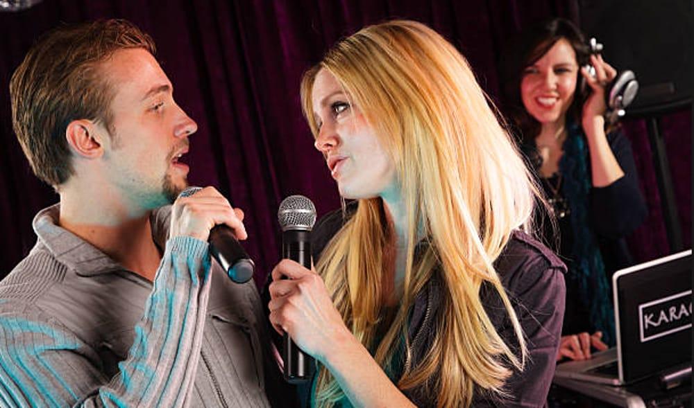"""""""Karaoke Stonato"""" (foto facebook)"""