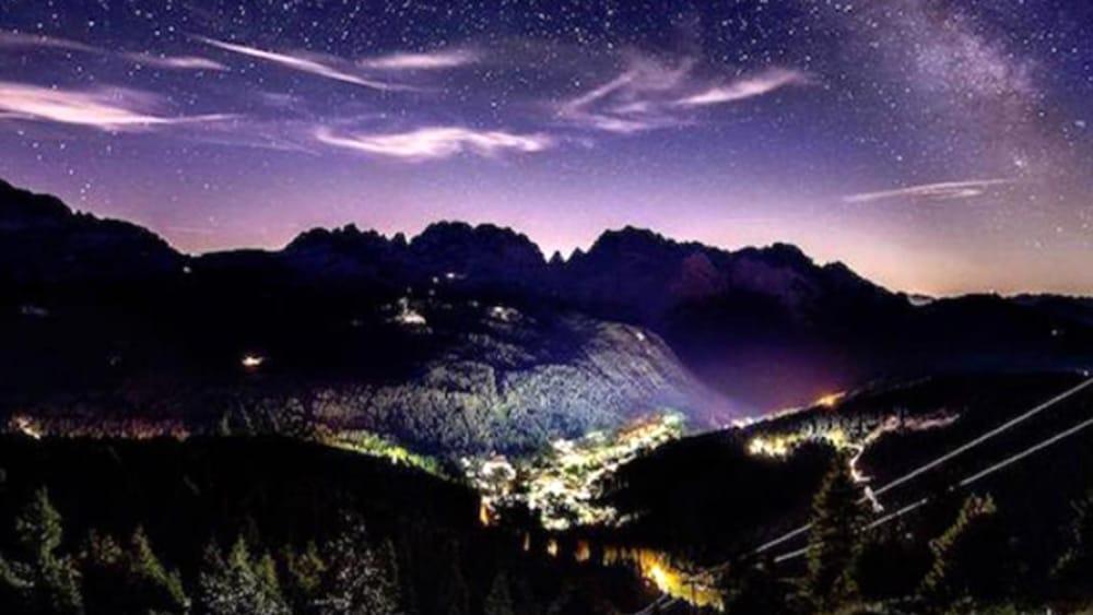 Escursioni sotto le stelle (immagini di archivio)