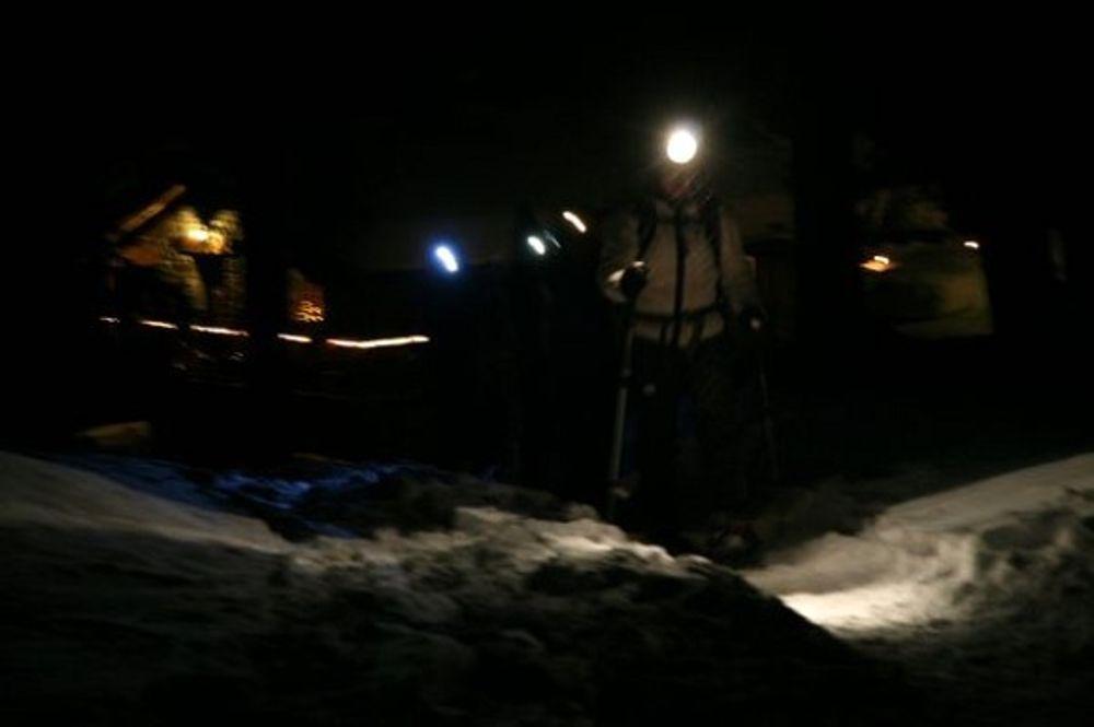 Camminata con lanterne