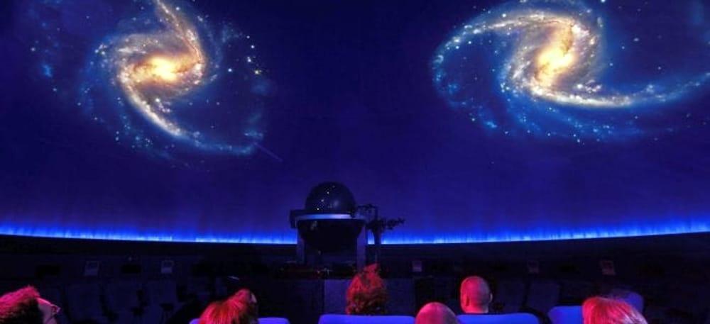 Planetario (immagini di archivio)