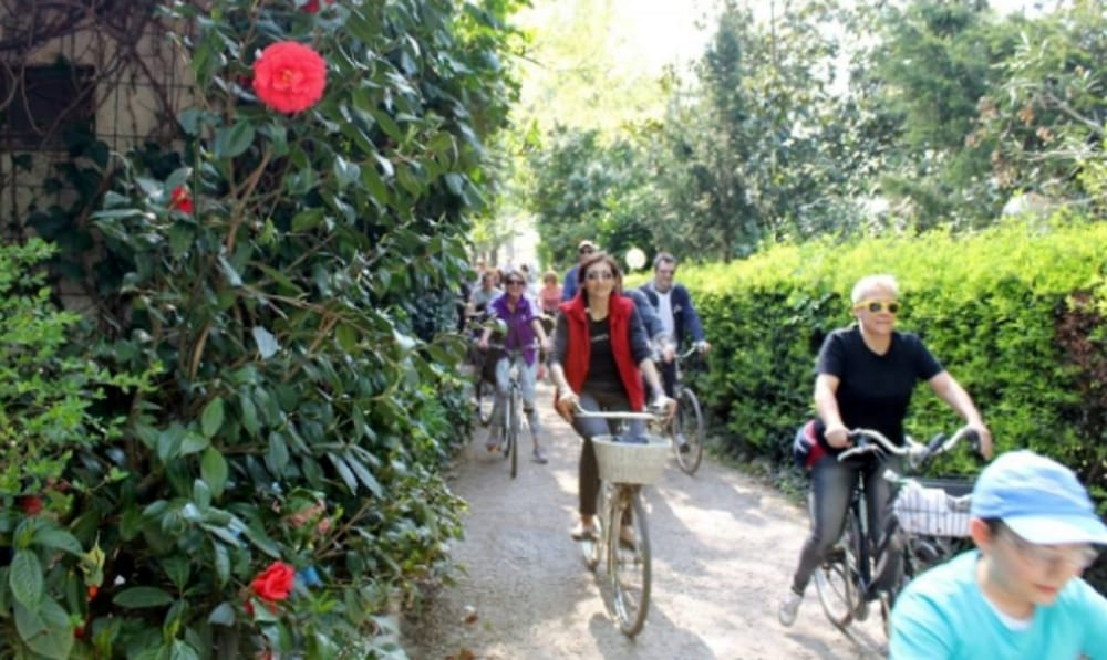 Biciclettata di Primavera (immagini di archivio)