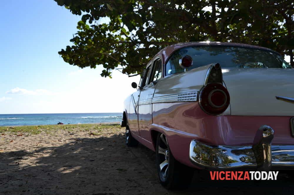 Macchina a Cuba (immagini di archivio)